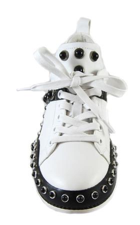 Włoskie skórzane adidasy z ćwiekami